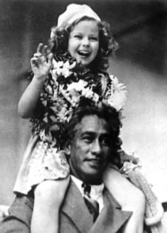 Duke with actress Shirley Temple, 1935